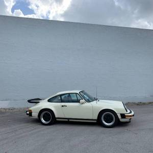 Cars For Sale - 1984 Porsche 911 Carrera 2dr Coupe - Image 12